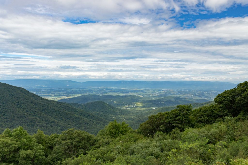 Skyline Drive has a whole lot of big sky views. (Kevin Kaiser | Travel Beat Magazine)
